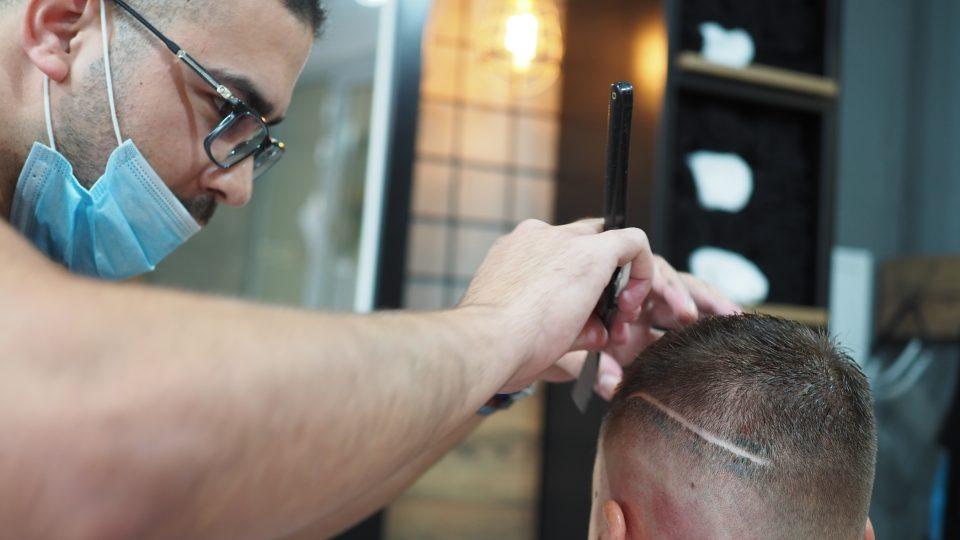 Marocký vlasový stylista Boummadyane Boussekkour, Žďár nad Sázavou