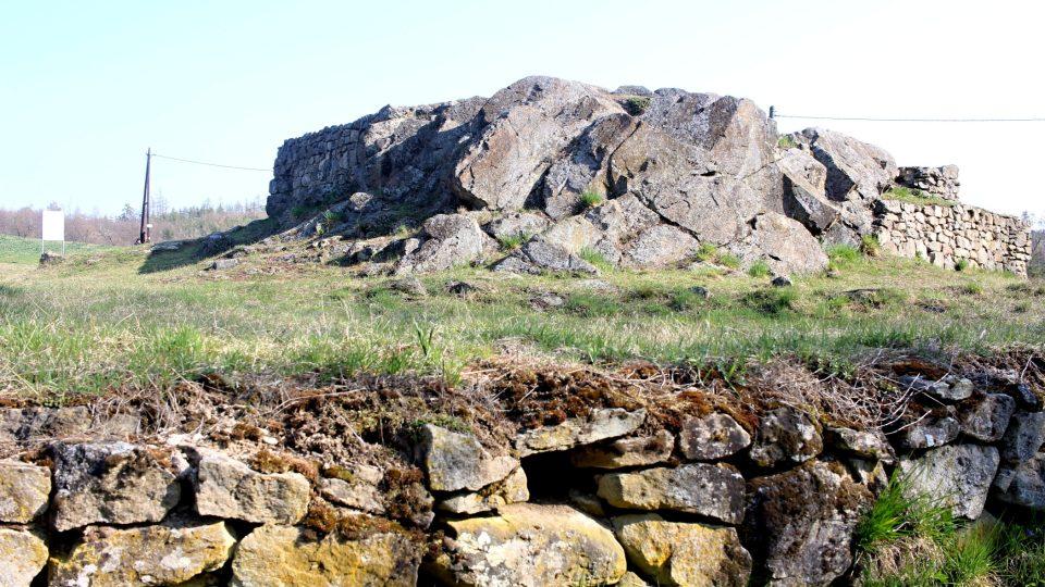 Zaniklá středověká osada Mstěnice