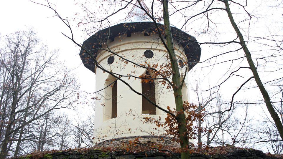Gloriet, altán nad údolím řeky Oslavy