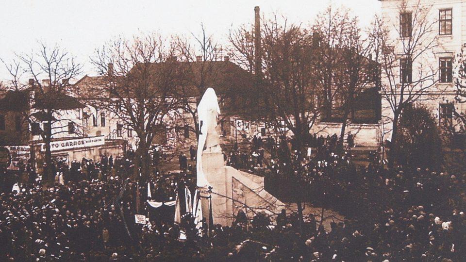 Socha Jana Husa v Jihlavě