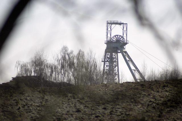 Uran se na Bystřicku těží přes půl století, místní už těžební věž jámy Rožná I ani nevnímají