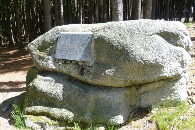 Na toto místo v roce 1945 omylem seskočili sovětští parašutisté