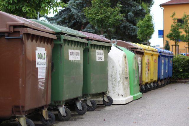 Kontejnery, třídění odpadu