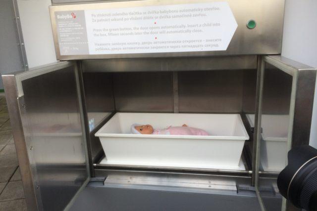 Nový babybox v areálu nemocnice v Ústí nad Labem vyzkoušela nejdřív panenka