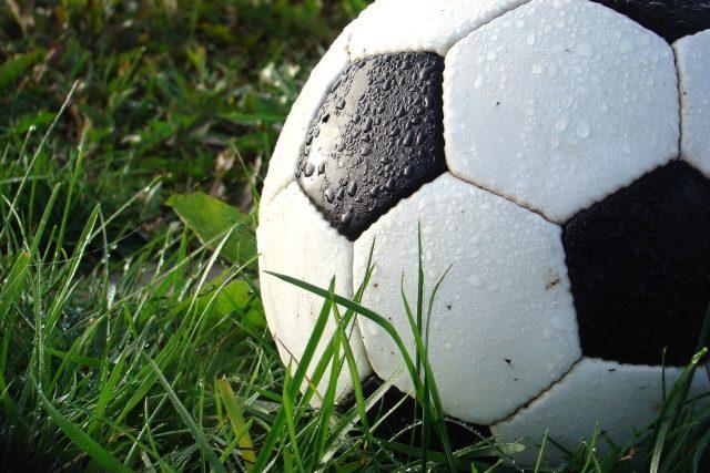 fotbal,  kopaná,  míč   foto: Creative Commons CC0 1.0 Universal,  Fotobanka Pixabay