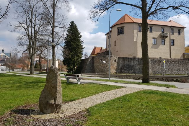 Polná, pamětní kámen k pádu amerického bombardéru v prosinci 1944