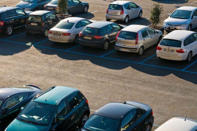 Parkování,  parkoviště  (ilustrační foto) | foto: Fotobanka Profimedia