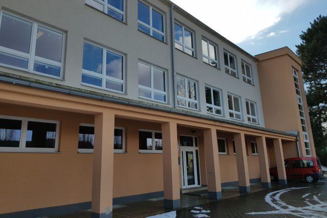 Budova základní školy v Třešti