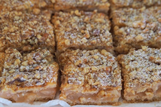 Jablečný koláč s ořechy | foto: Dáša Kubíková,  Český rozhlas