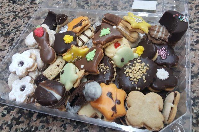 Zákazníci mají rádi klasiku, chybět nesmí cukroví s ořechy