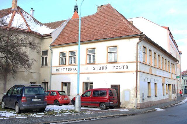 """Pelhřimovský dům """"vrostlý"""" do hradeb"""