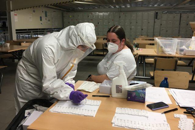 Testování na koronavirus ve firmách | foto: Jaroslav Hroch,  Český rozhlas,  Český rozhlas
