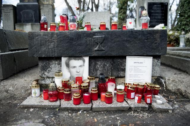 Hrob Jana Palacha, Olšanské hřbitovy