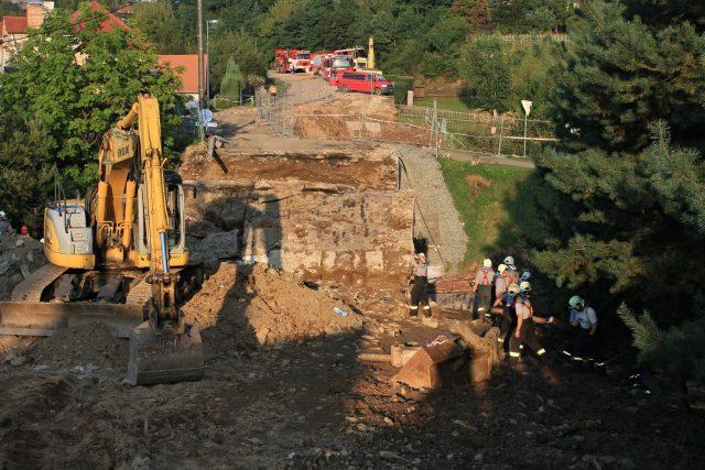 Most se ve Vilémově zřítil během oprav v září 2014. V jeho troskách zahynuli čtyři dělníci, další dva byli zraněni.