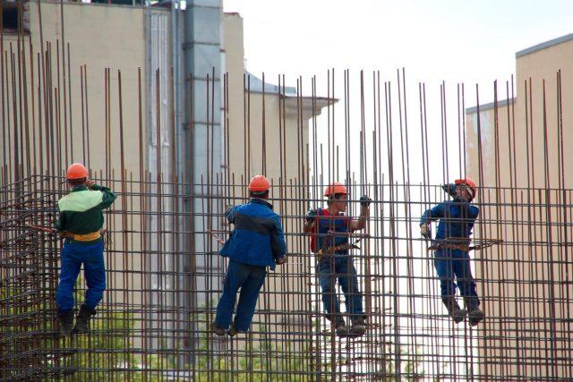 pracovník, práce, dělník, stavba - ilustrační foto