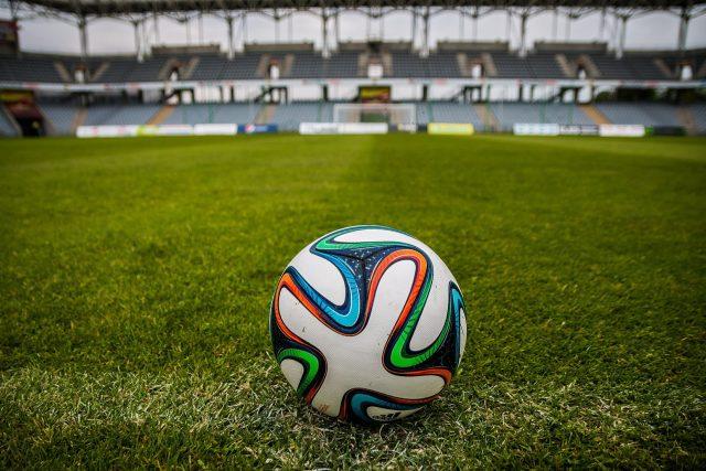 Fotbalový míč (ilustrační foto)